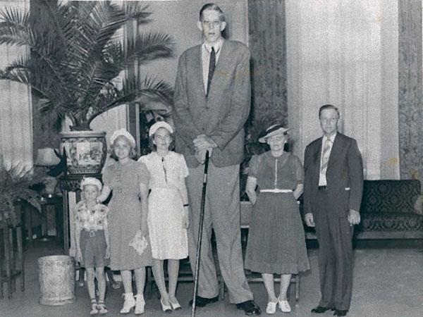 記録がある中で最も身長の高い人間、ロバート・パーシング・ワドロー