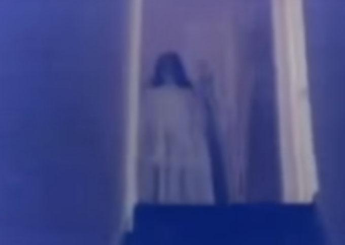 黒髪の女性幽霊