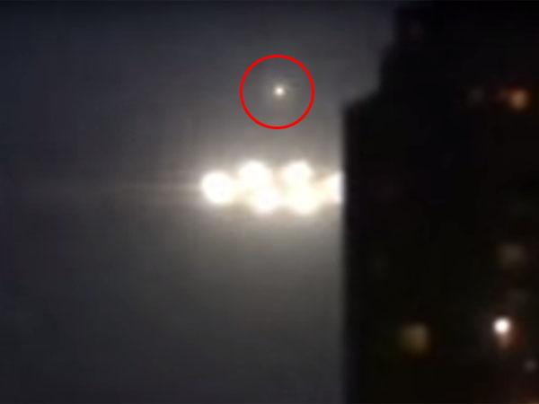 小型UFOを飛ばしている?