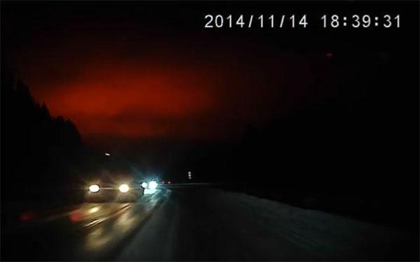 hロシアの謎の巨大な怪光(スヴェルドロフスク州)3