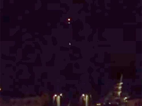 フランスのサントロペに現れた分裂するUFO