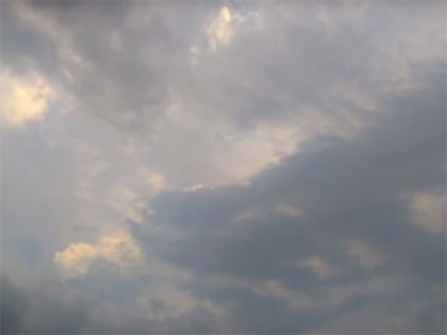 HAARPの実験で嵐に?