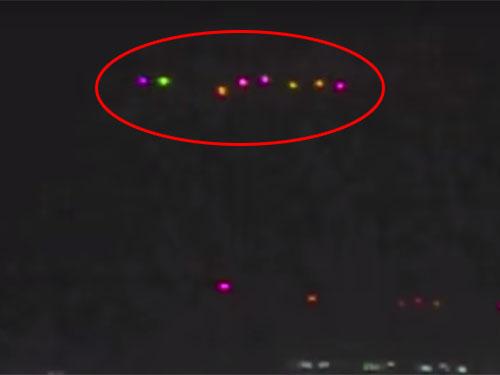 沖縄那覇上空にUFOフリート出現、謎の光の正体は?