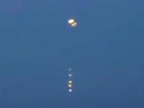 バルト海に小型UFOを送り込む奇怪なUFO 2