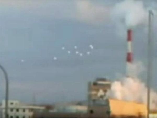 大阪上空にUFOフリート出現! 海外でも話題のUFO動画