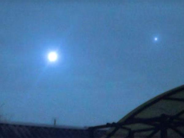 UFO? ボール・ライトニング? 強烈な閃光を放つ謎の発光体