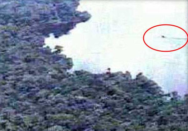 TBSテレビの取材班が撮影したテレ湖のモケーレムベンベ