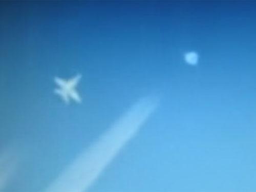 UFOにスクランブルをかける中国機?