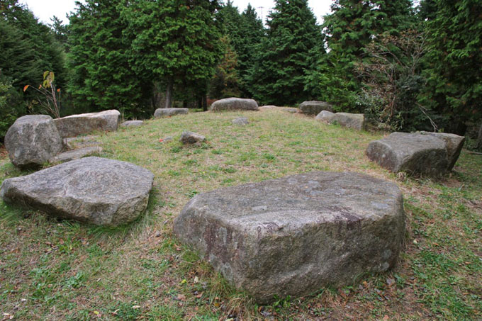 六甲山の巨石遺跡(ストーンサークル)