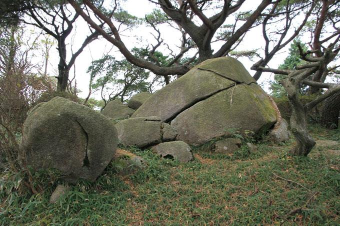 六甲山の巨石遺跡