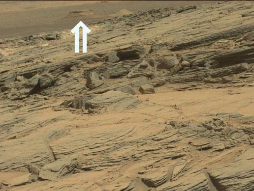 火星探査車から送られてきた火星地表の画像