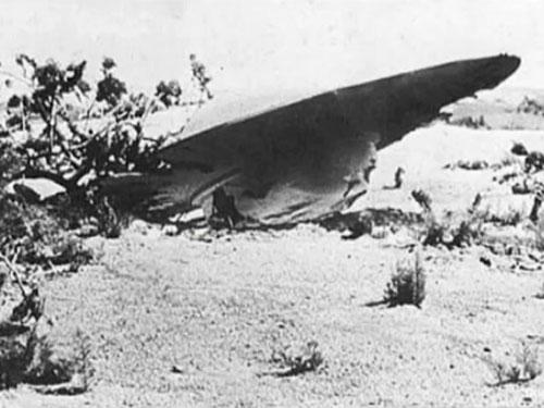 本当は世界各地で、UFOはボコボコと墜落している! 驚くべきUFO墜落事件の動画まとめ