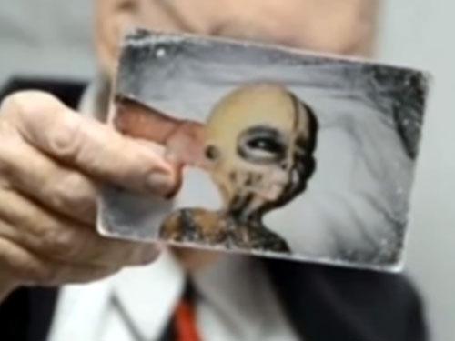死の直前に、エリア51の宇宙人とUFOを暴露! 世界的な科学者ボイド・ブッシュマンが証拠写真を公開!