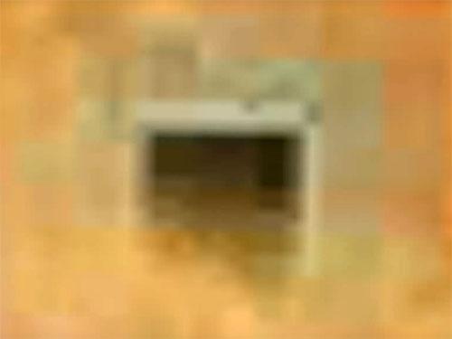 火星は宇宙人のUFO前線基地! グーグルマーズで、謎の四角い地下ゲートが発見される!