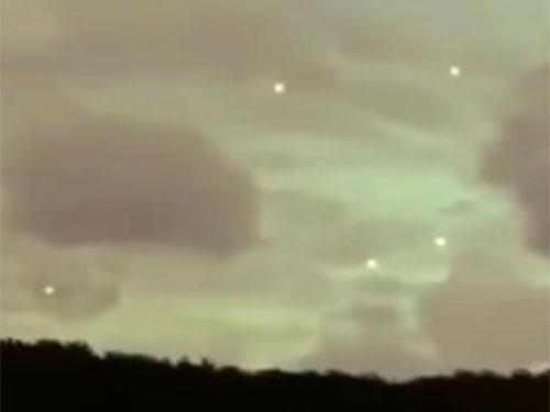 ハワイのUFOはフリーダム過ぎ! 興味深いUFO映像の数々