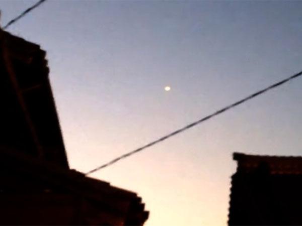 UFOが花火大会(愛知県阿久比町)に出現! 会場の多くの人々がUFOの目撃者に!
