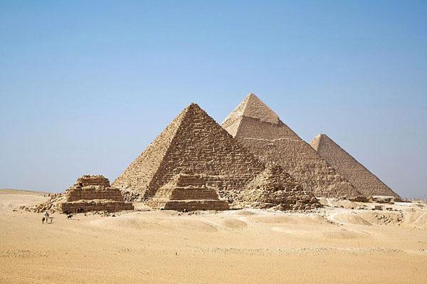エジプトの三大ピラミッド