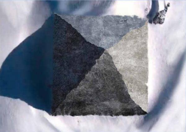南極大陸で発見された正四角形のピラミッド(CG修正)