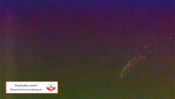 宇宙のワームホールから無数に出現するUFO艦隊! 国際宇宙ステーション(ISS)から撮影1
