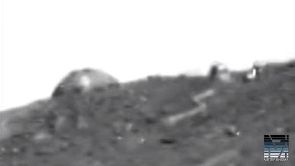 火星にドームの建造物を発見! NASAの火星探査車オポチュニティが撮影1