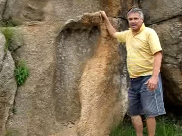 2億年前の巨人の足跡!古代の巨人族ネフィリムが本当にいた?