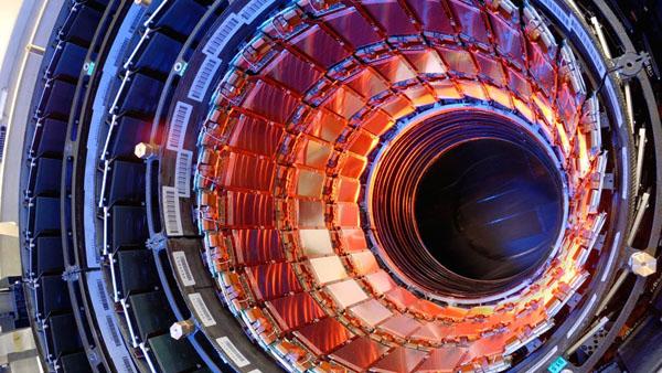 大型ハドロン衝突加速器(LHC)2