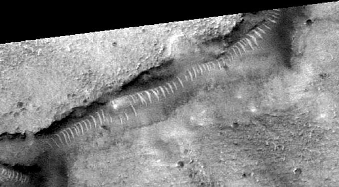 火星探査機マーズ・グローパルサベイヤーが撮影したサンドワーム2
