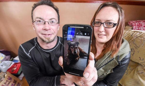 愛犬マトリーの写真と、ケネディ夫妻