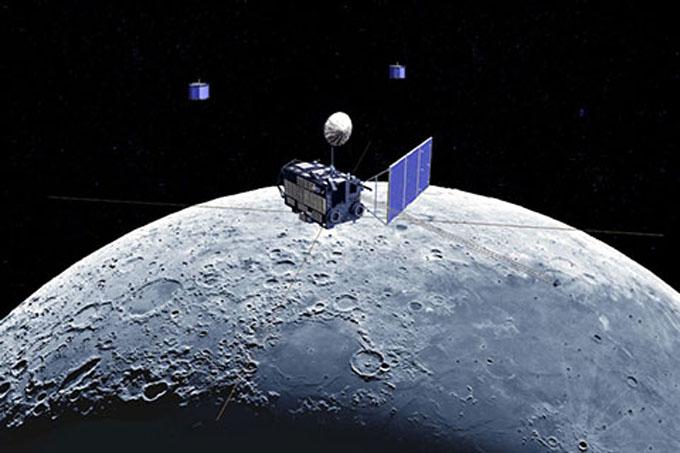 月を調査する「かぐや」