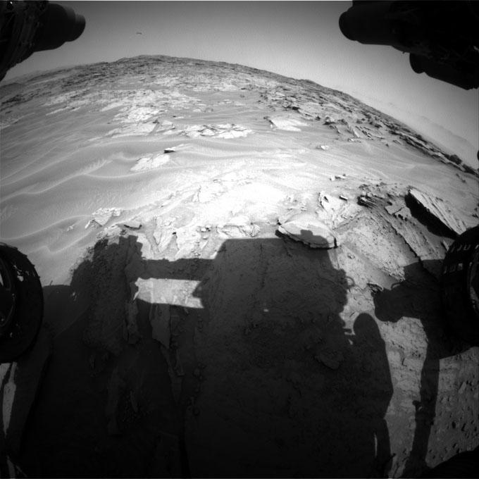 キュリオシティが火星地表で撮影した人影3