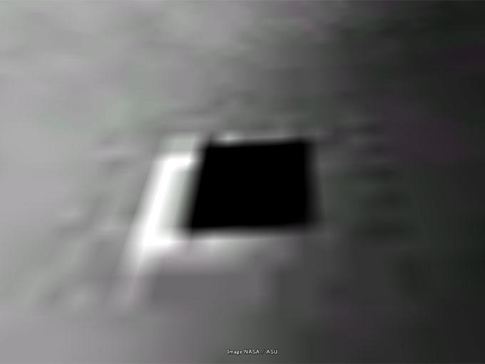 グーグルムーンで発見された地下ゲートの拡大写真