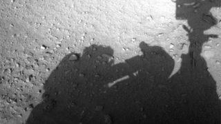 火星探査車を修理する人影が撮影される! 火星移住のプロジェクト・ペガサスは、本当に実施されていた?