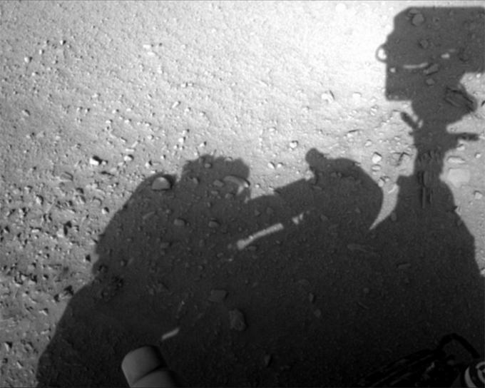 火星探査車キュリオシティが撮影した人影