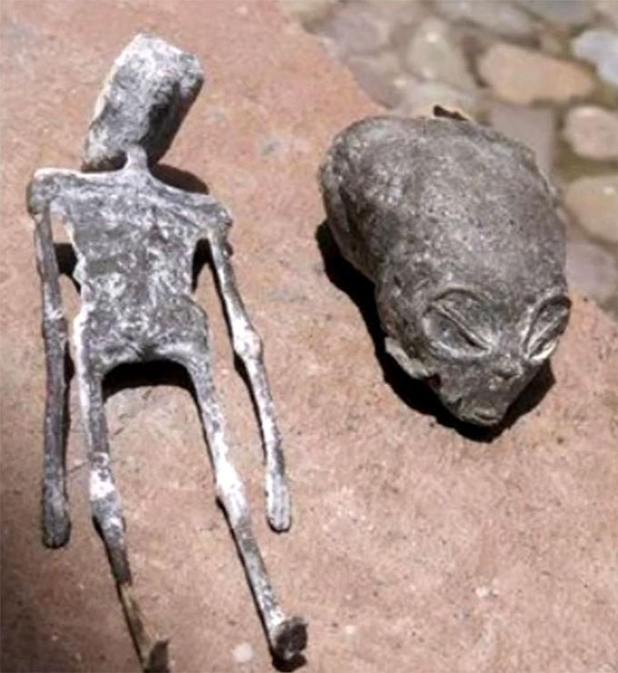 ペルーで発見された発見された小型ミイラと頭蓋骨