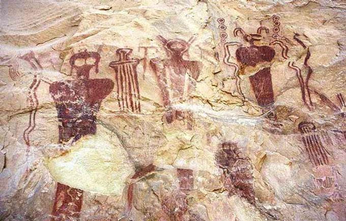 宇宙人が描かれた古代の壁画