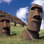 イースター島、モアイ像の謎。石像はいつ、どのように造られ、なぜ巨石文明は滅びたか?