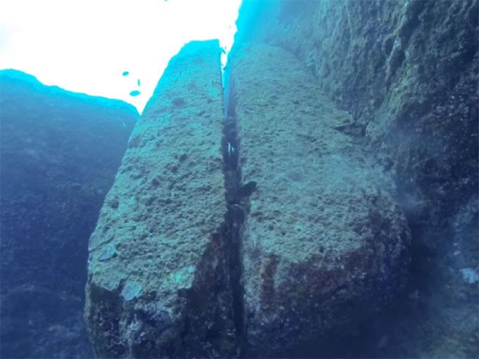 与那国島 海底遺跡:二枚岩