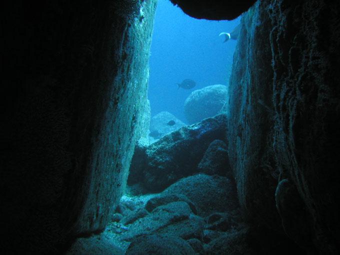 与那国島 海底遺跡:城門