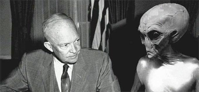 宇宙人と会談するアイゼンハワー大統領のイメージ