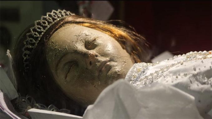 グアダラハラ大聖堂、美少女のミイラ