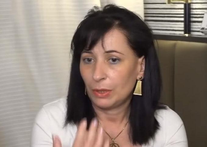 インタビューに答えるジョバンナ・ポッダさん