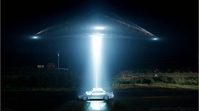 UFOアブダクションのイメージ