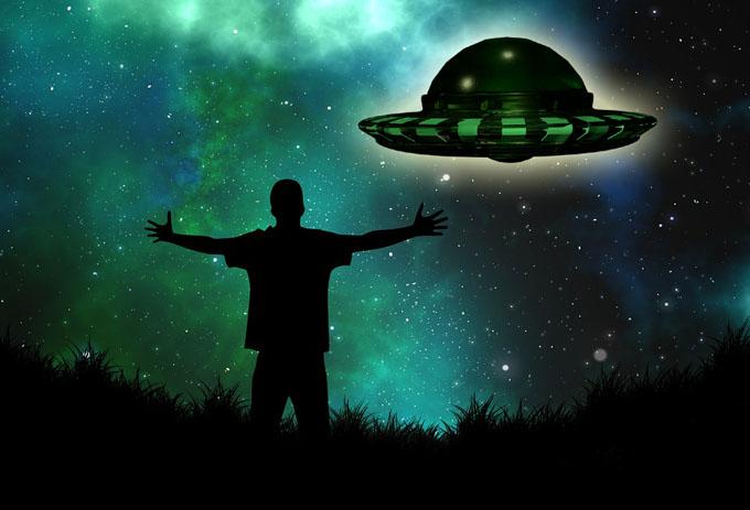UFOを呼ぶコンタクティー