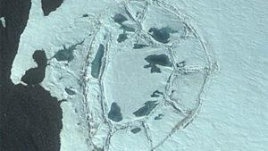 南極大陸の謎! グーグルアースで古代文明の遺跡と、UFO基地の入口が発見される!
